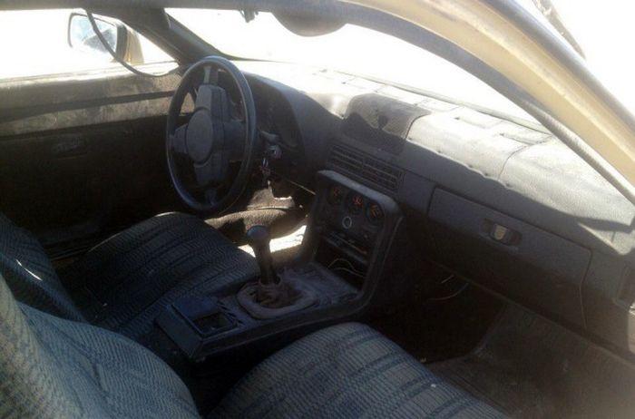 В Казахстане на утилизацию сдали Porsche 924 1985 года выпуска (5 фото)
