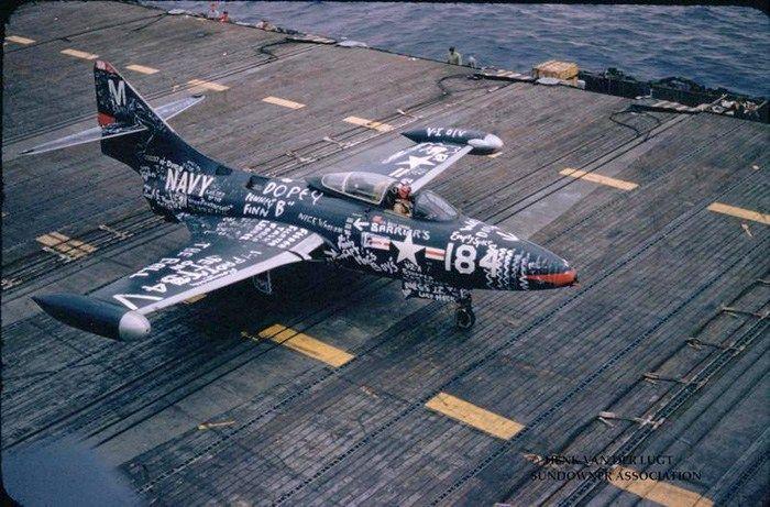 Наказание для пилотов ВВС США (5 фото)