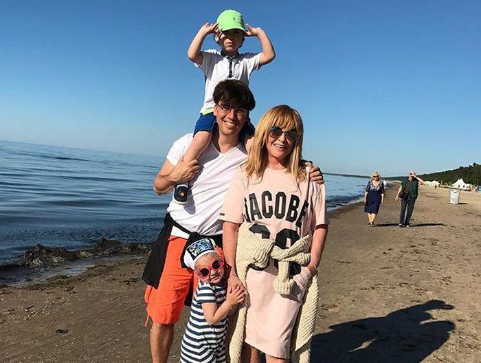Максим Галкин опубликовал пляжное фото Аллы Пугачевой (2 фото)