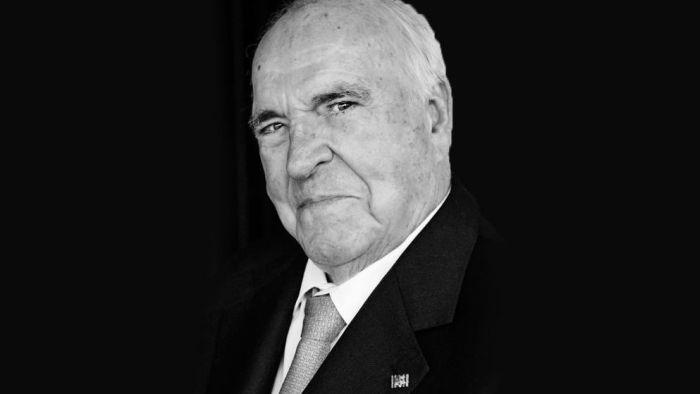 В возрасте 87 лет умер бывший канцлер ФРГ Гельмут Коль (2 фото)