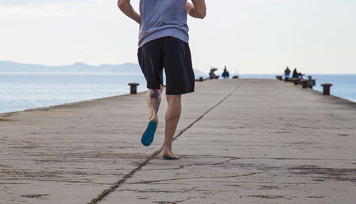 Подошвы, призванные заменить пляжную обувь (6 фото)