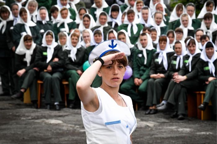 Парад моды в женской исправительной колонии №10 (34 фото)