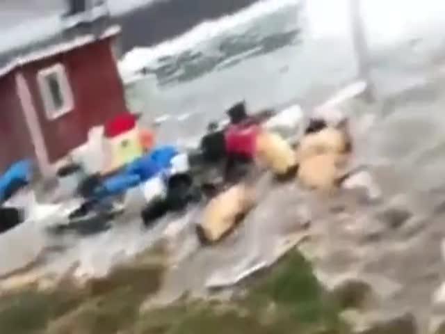 Землетрясение и цунами обрушились на Гренландию