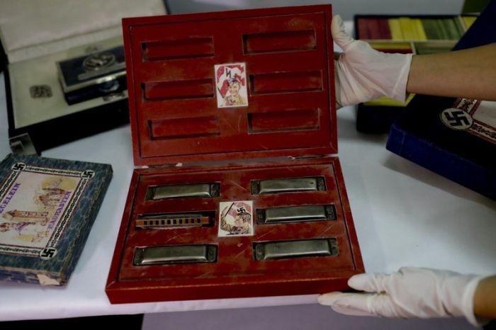 У аргентинского коллекционера обнаружили нацистские артефакты (6 фото)