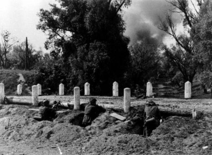Первые дни Великой Отечественной войны в 20 фото (20 фото)