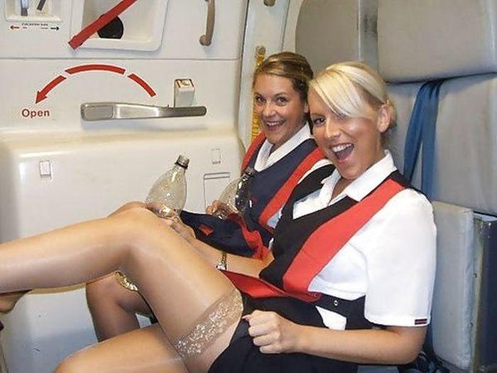 Смотри видео со стюардессами онлайн