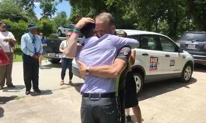 Отец из США решил послушать сердцебиение своей умершей дочери (2 фото + видео)