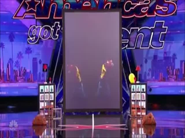 Потрясающее выступление французских близнецов на шоу America's Got Talent 2017