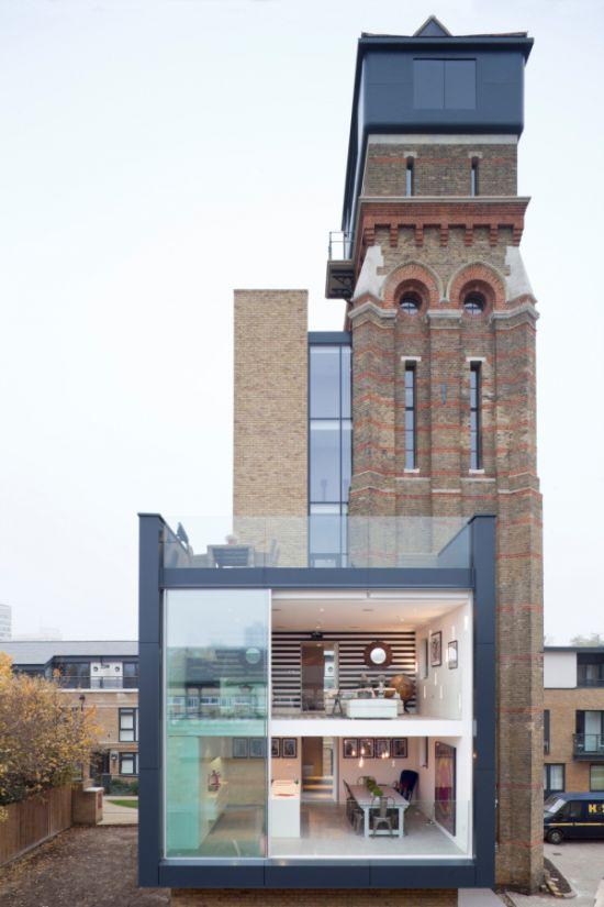 Современное жилье в старой водонапорной башне (11 фото)