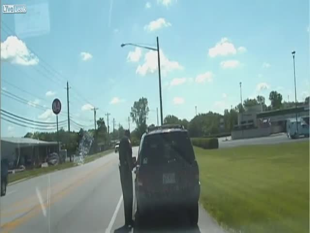 Полицейский забыл воспользоваться ручником