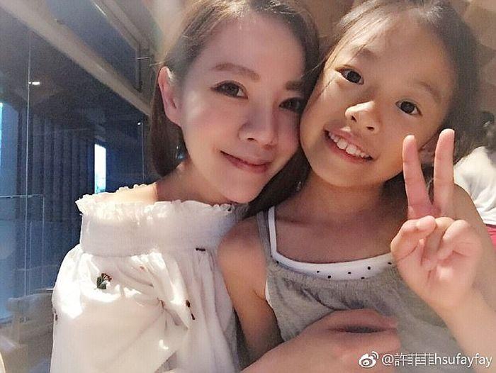 На Тайване нашли семью нестареющих женщин (11 фото)