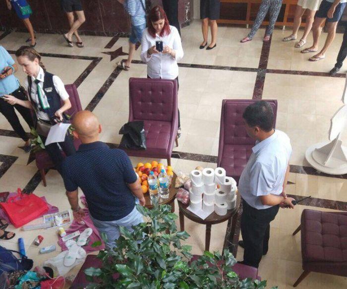 «Добыча» российских туристов в турецком отеле (3 фото)