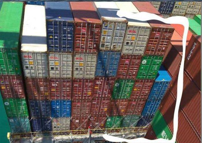 Настоящая вместимость судов-контейнеровозов (5 фото)