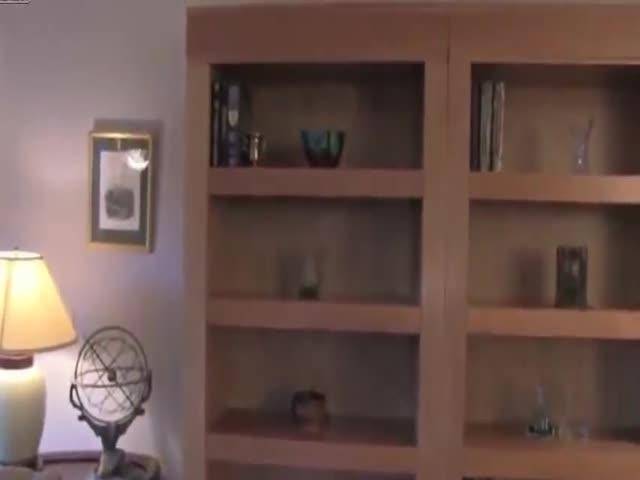 Шкаф с потайными отсеками