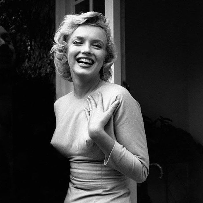 Бюстгальтеры-пули - модное белье 40-х - 50-х годов (20 фото)