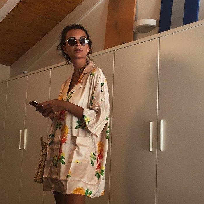 Эмили Ратаковски испытывает проблемы из-за излишней сексуальности (21 фото)