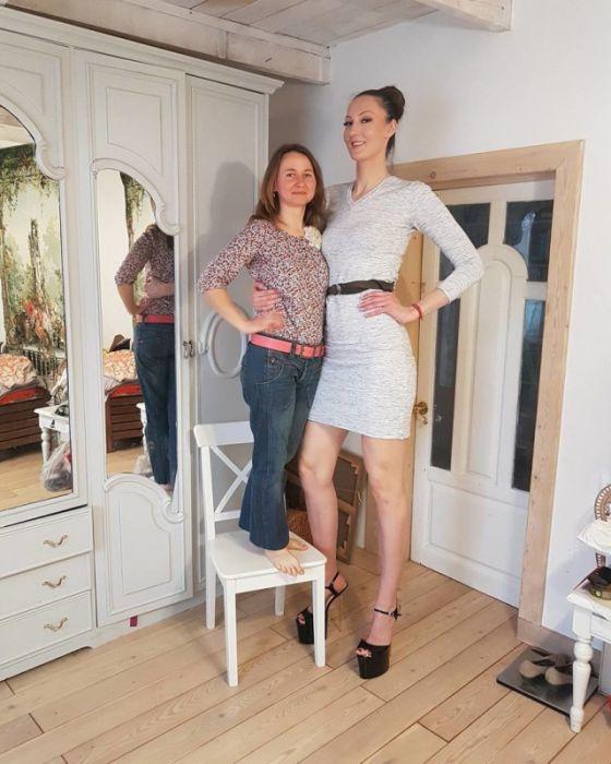 Россиянка Екатерина Лисина подала заявку на титул женщины с самыми длинными ногами в мире (15 фото)