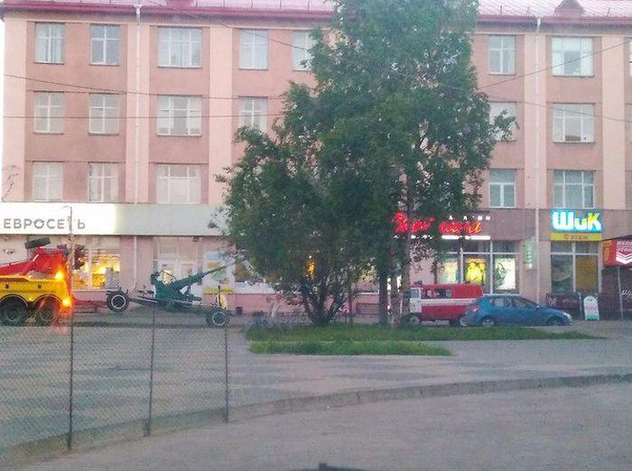 Пушка из сквера Победы Архангельска оказалась опасной (3 фото)