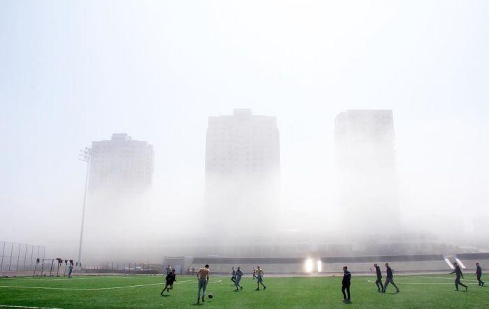 Самое красивое футбольное поле страны (7 фото)
