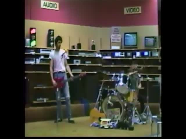 Одно из первых выступлений группы Nirvana