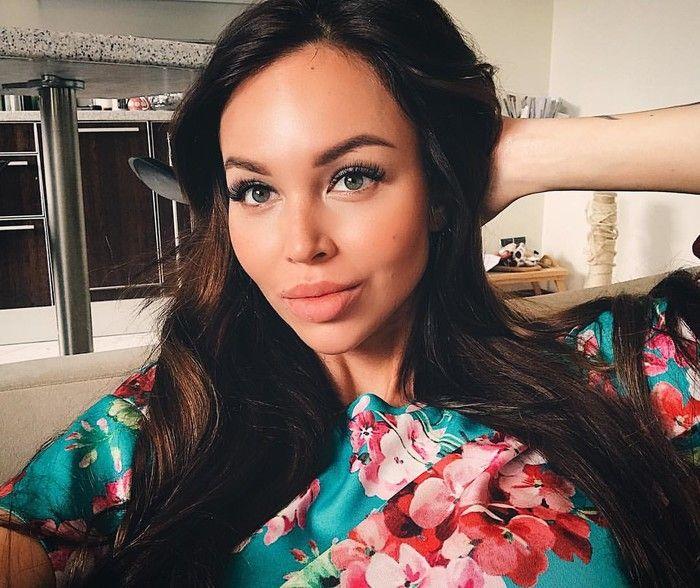 Экс-участница «Дом-2» Анастасия Лисова показала, как выглядела до пластических операций (14 фото)