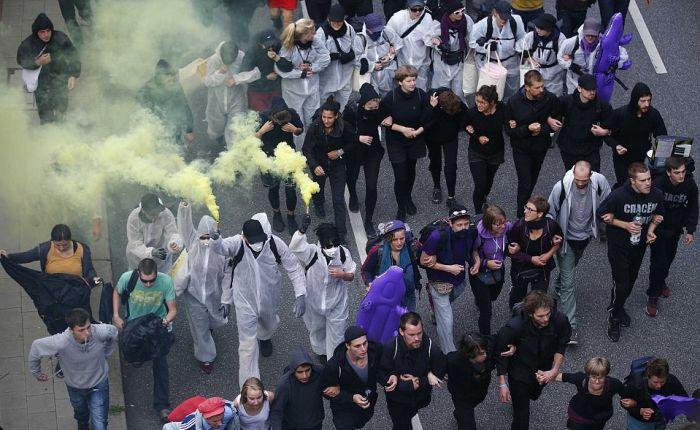 Беспорядки в первый день саммита G20 в Гамбурге