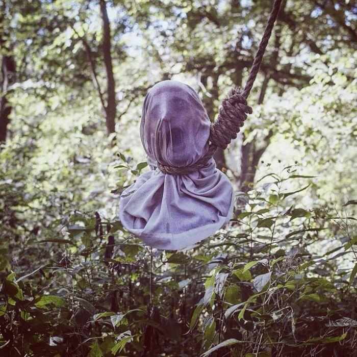 Жуткие фото, сделанные посреди леса (13 фото)