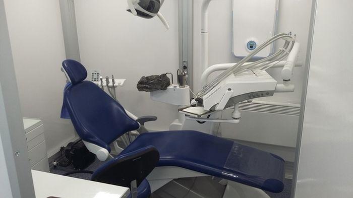 Стоматологические грузовики (6 фото)