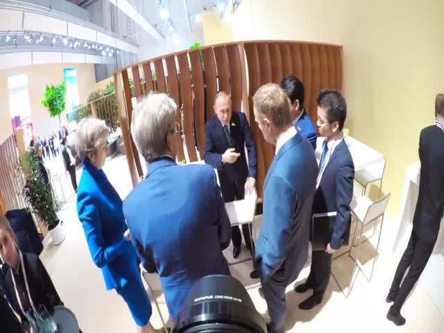 На саммите G20 Владимир Путин и Дональд Трамп впервые встретились друг с другом
