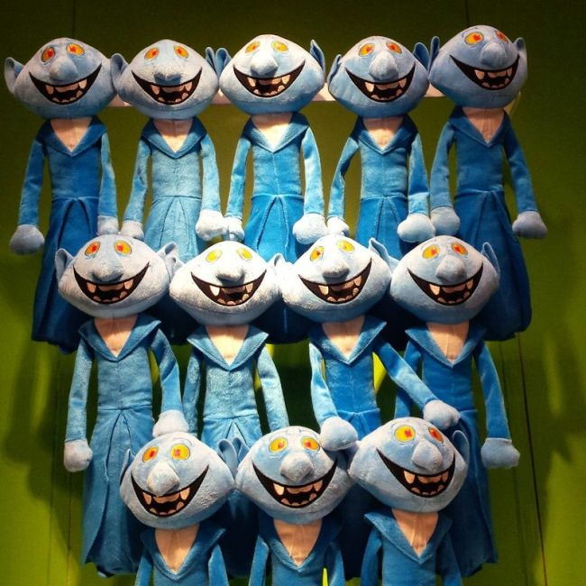 Странные игрушки из детских магазинов (16 фото)