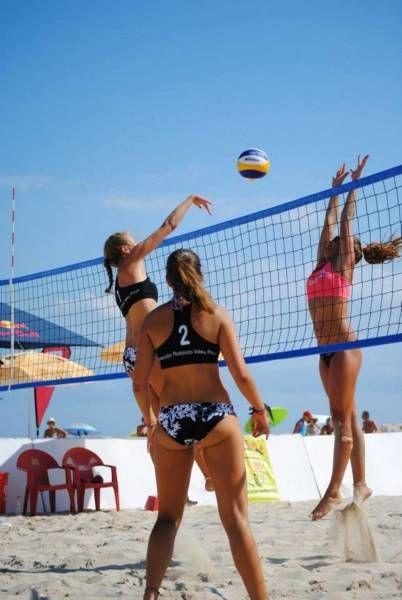 Пляжный женский волейбол (32 фото)