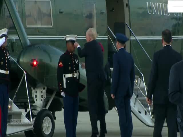 Дональд Трамп надел сорванную ветром фуражку на голову морскому пехотинцу