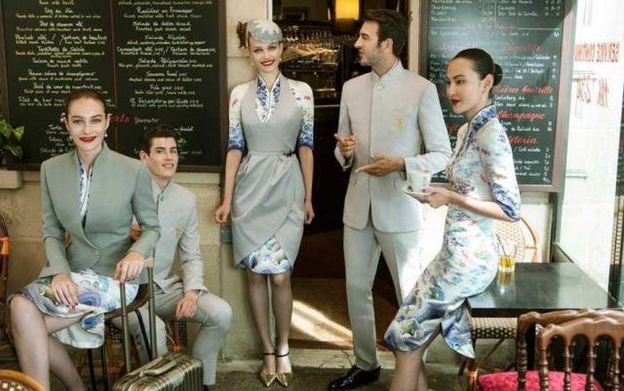 Авиакомпания Hainan Airlines одела сотрудников в модную форму (5 фото)