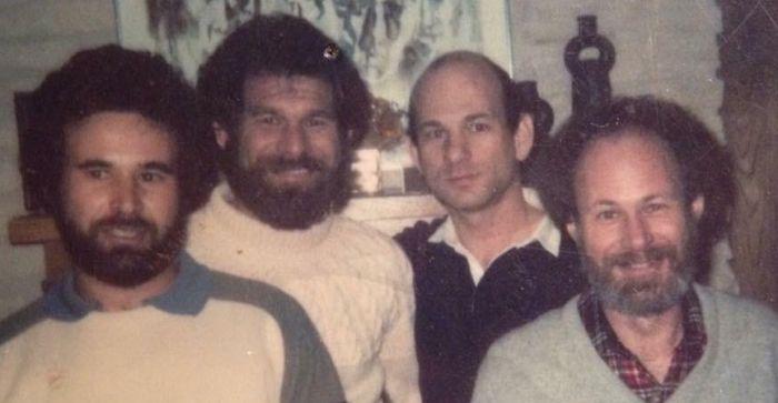 Четыре брата с разницей в 35 лет (2 фото)