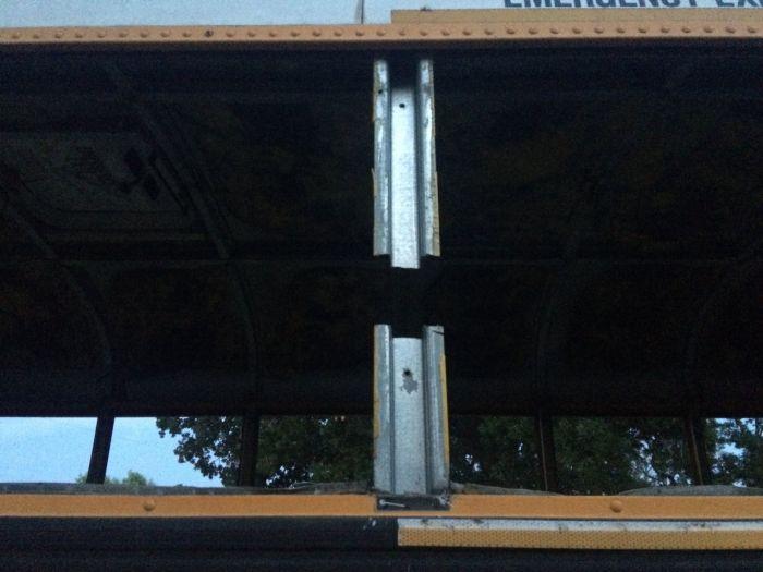 Дом на колесах в старом школьном автобусе (19 фото)