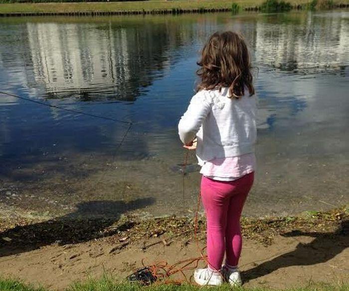 Необычной улов маленькой девочки (17 фото)