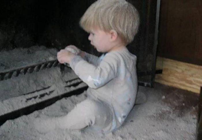 Дети проказничают (40 фото)