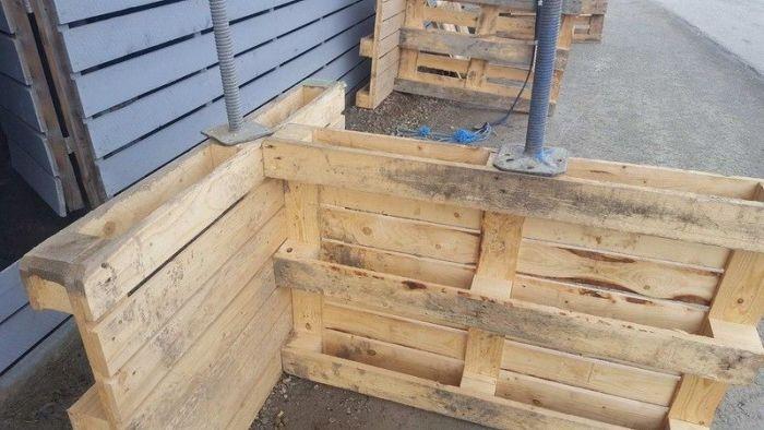Странный метод установки строительных лесов (4 фото)