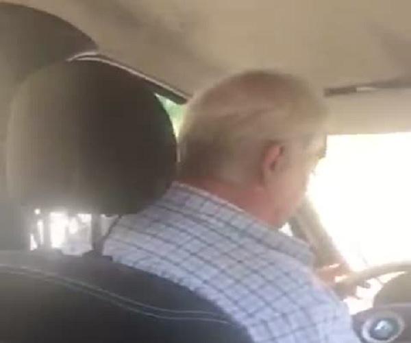 Таксист Uber обматерил клиентку