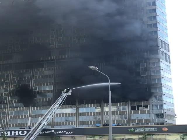 Пожар в центре Москвы в «доме-книжке»