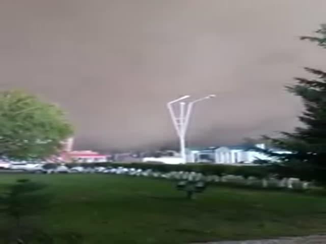 Сильный ураган в Казахстане