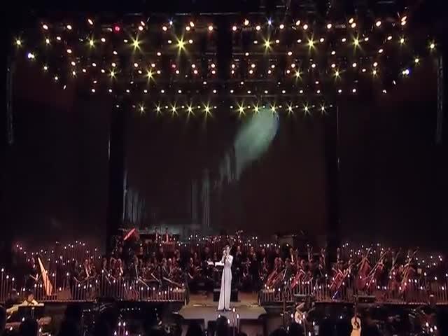 Джейн Чжан исполняет арию Дивы Плавалагуны из «Пятого элемента»
