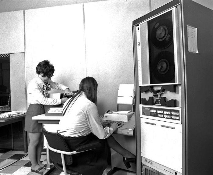 Компьютерная техника минувших дней (16 фото)