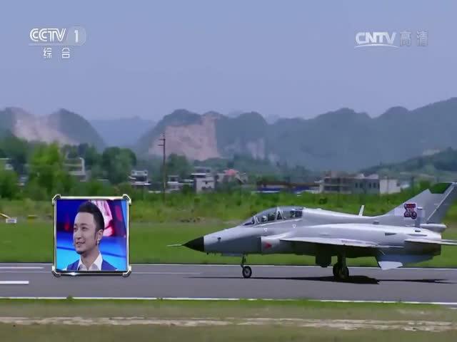Китайский бегун Чжан Пэймэн обогнал истребитель Чэнду J-10