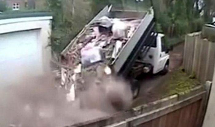 В Лондоне наказали любителя выбросить мусор в неположенном месте (5 фото)