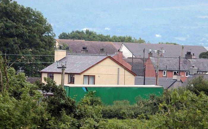 Насолил соседям (5 фото)