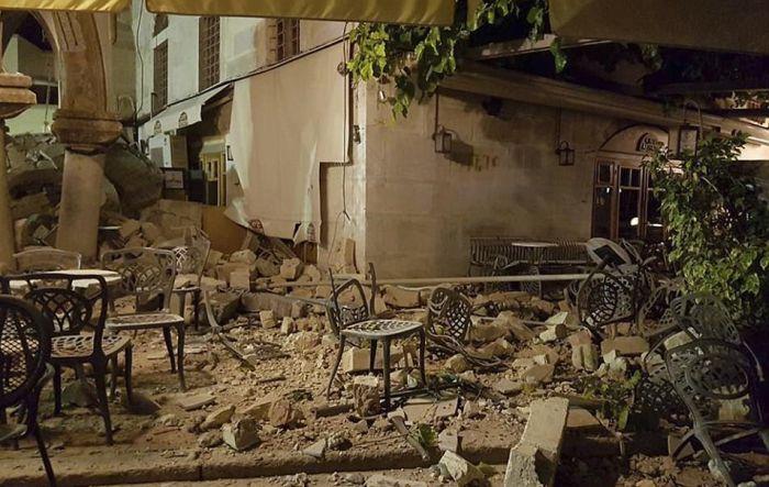 Мощное землетрясение произошло у берегов Турции и Греции (23 фото + 2 видео)