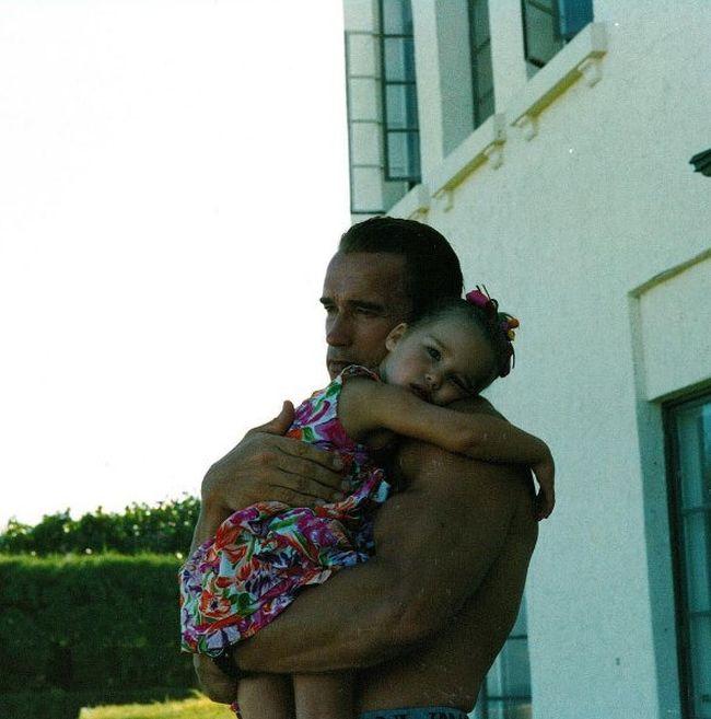 Арнольд Шварценеггер с дочерью Кристиной тогда и сейчас (2 фото)