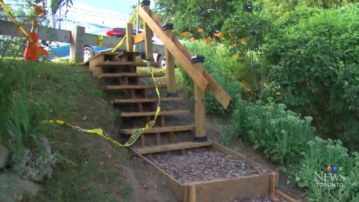 Канадский пенсионер построил ступеньки, на которые власти хотели потратить 150 000$ (5 фото)