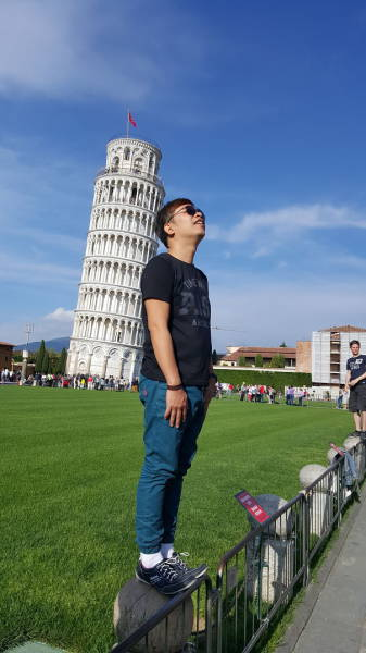 Забавные фото с Пизанской башней (39 фото)